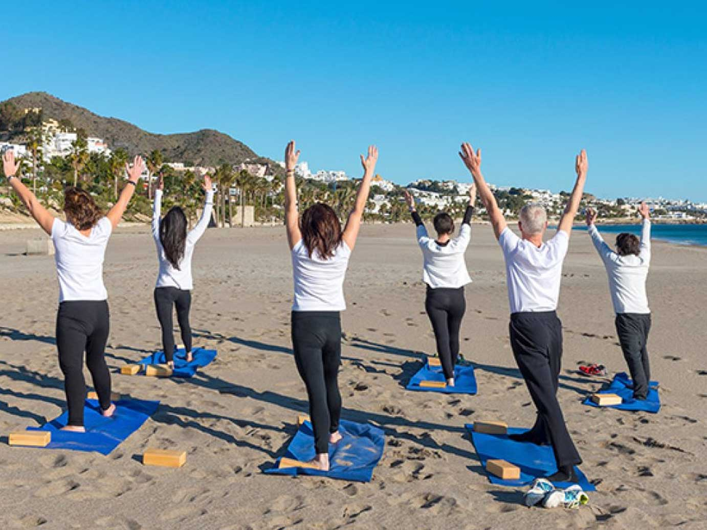 Pikorua fitness beach yoga